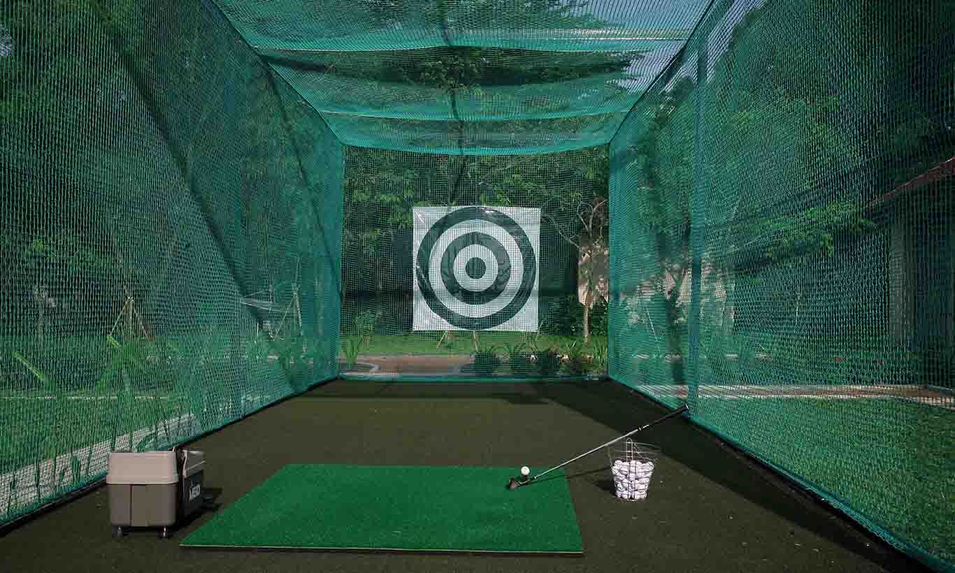 khung luoi tap golf trong nha